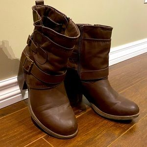 CALL IT SPRING lined zip-up boots